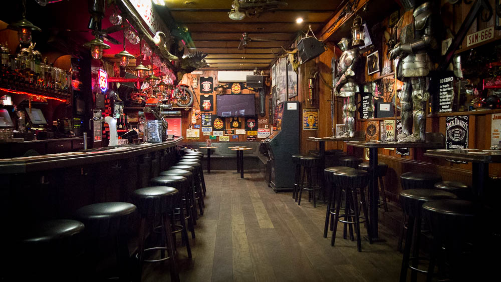 Excalibur caf heavy metal hardrock red light district amsterdam gallery aloadofball Image collections